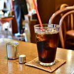 自家焙煎珈琲庵 - 【サンドイッチセット@税込890円】アイスコーヒー:酸味抑えめで、ほろ苦い余韻は軽めに。かなり飲みやすかったです。