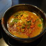 晴レル屋 - 辛味噌つけ麺(860円)つけ汁のアップ