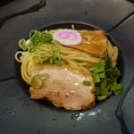 晴レル屋 - 辛味噌つけ麺(860円)麺のアップ