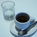 ブルーボトルコーヒー - エスプレッソ495円
