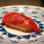 151568282 - リブロースのづけにしたお寿司