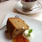 菓楽 - ランチセットの今日のデザート シフォンケーキ