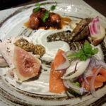 びいの - 料理写真:ランチタイム・・セットの前菜4種の盛り合わせ。とにかく人気!
