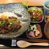 わ可ば - 料理写真:牛すじと熟成黒にんにく煮込み丼