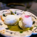 比良山荘 - デザートはふきのとうのソルベ、桜餅アイス。