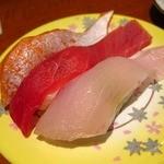 本まる寿司 - とろ三点盛り 「トロサーモン とろ トロかんぱち」