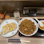 151587839 - 豚バラ炒飯(大盛り)+手作りジャンボ餃子(3個)
