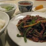 杏花村 - 青椒肉絲定食700円
