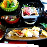 Jionshouja - 松花堂にぎり寿司(¥2100)