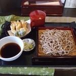 寿作 - 十割蕎麦 舞茸天もり(1050円)