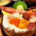 さんかく亭 - カラフル丼