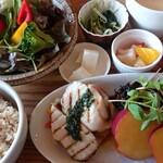 G831 Natural Kitchen & Cafe -
