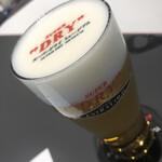 スーパードライ ミュージアム - ドリンク写真:スーパードライエクストラコールド(ラテアート)