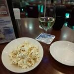 BAR of TOKYO - おつまみポップコーンとグラスワイン