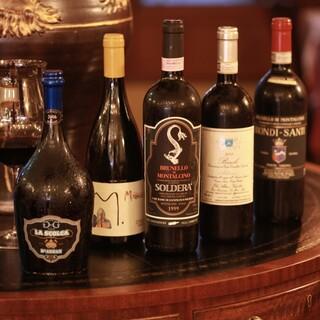 ソムリエ厳選のワイン多数、ヴィンテージワインも御座います