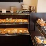パンドノレーブ - 料理写真:陳列棚の様子①。