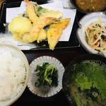 ひろ - 料理写真:お昼のサービスランチ 天ぷら定食=650円 税込