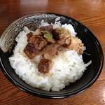 らーめん 次男坊 - 豚めし 150円(ランチサービス)