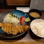 牛かつ おか田 - 牛カツロース定食1400円