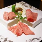 仙台牛焼肉 花牛 - 仙台牛ランチ(角切りサーロイン、カルビ、霜降り上ロース)