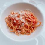 151662240 - トマトソースとパルミジャーノ