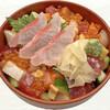 かもめ丸 - 料理写真:上まかない丼(金目鯛の刺身付き)