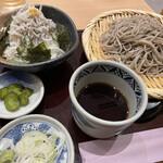 高田屋 - ごまそばとしらす丼 ¥980