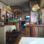 Coffee & Restaurant Cherry - 店内、最奥がカウンター席