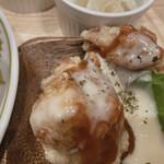 太陽のトマト麺withチーズ - チキンも!