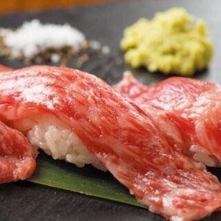 【肉寿司もご用意】一口頬張れば舌の上でトロける程の柔らかさ♪