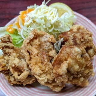璃王 - 料理写真:鶏の唐揚げ(小) 380円