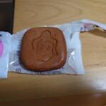 美濃忠 - 皮の直下、あんこがギッシリの和菓子です