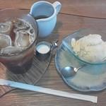 ぽっぽの木オーガニック・カフェ - 料理写真:ポーポーアイスとアイスティ