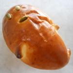 15170421 - かぼちゃクリームパン