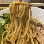 馬鹿殿 - 水戸黄門(どろ坦々)の麺はもっちりした中太。