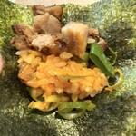 馬鹿殿 - 炙りチャーシュー丼を海苔巻きに。至福。