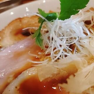 麺匠 中うえ - 料理写真:3種のチャーシューが素晴らしい。