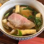 手打ちうどん さかもと - 料理写真:肉汁うどんヽ(´ー`)⭐️⭐️⭐️