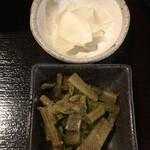 日本酒 酒場 巡りや - 小鉢と漬け物