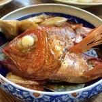 三春寿司 - 金目鯛の頭の煮付け。900円
