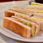 はまの屋パーラー - ほまの屋特製 サンドゥイッチ@税込700円:ハムだけトーストに。焼色はこんな感じ。
