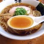 中華そば 田家 - 中華そばのスープ