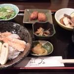 15173361 - 海鮮丼定食 750円