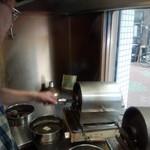 焙煎コーヒー豆ベースキャンプ - 注文してから焙煎する丁寧さ!いい薫り