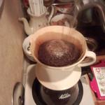 焙煎コーヒー豆ベースキャンプ - ドリップ!お湯を注ぐと豆(粉)が膨らみます