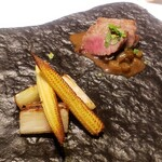151740018 - 黒毛和牛のタリアータ 蕗と麹のマデラソース