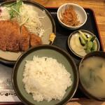 とんかつ華家 - 料理写真:ロースとんかつ定食(160g)@1,200円