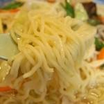 天福飯店 - 麺の様子