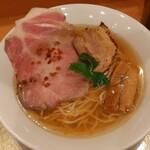 151781757 - 溢れるようなしじみのエキスと鶏の旨味が最強のスープ!細いけどコシのあるストレート麺に、フライドオニオンや柚子皮もいいアクセント