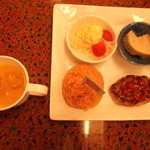 白峰特産品販売施設 菜さい - おこさまランチ。「カツ丼が、いいのにぃ~」と、不満顔^^;